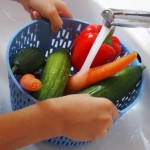 2016-EF-Gemüse waschen